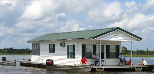 Lake Bigeaux Houseboat